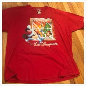 Men's Disney Holiday T-Shirt Mickey & Friends